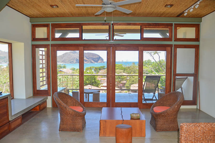 http://property-nicaragua.com/pedrodev/wp-content/uploads/2012/06/16_talanguera_townhomes_three_hundred_one_living_west_.jpg