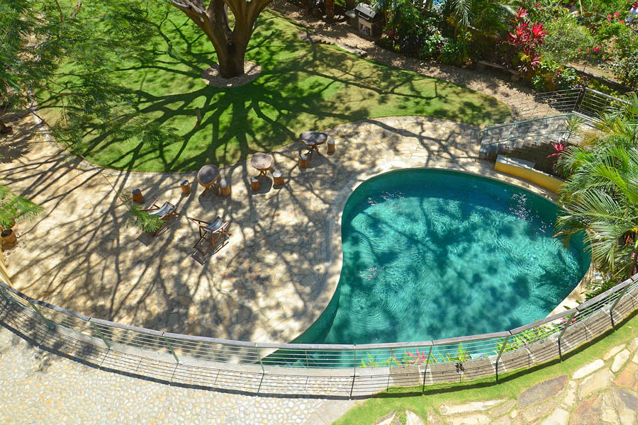 http://property-nicaragua.com/pedrodev/wp-content/uploads/2012/06/25_talanguera_townhomes_pool_terrace_tree_southwest_small.jpg