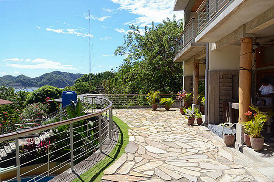 http://property-nicaragua.com/pedrodev/wp-content/uploads/2012/06/30_talanguera_townhomes_upper_terrace_building_harbor.jpg