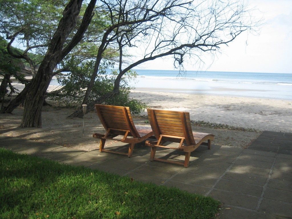 http://property-nicaragua.com/pedrodev/wp-content/uploads/2012/06/Turn-Key-Beachfront-Playa-Coco-17.jpeg