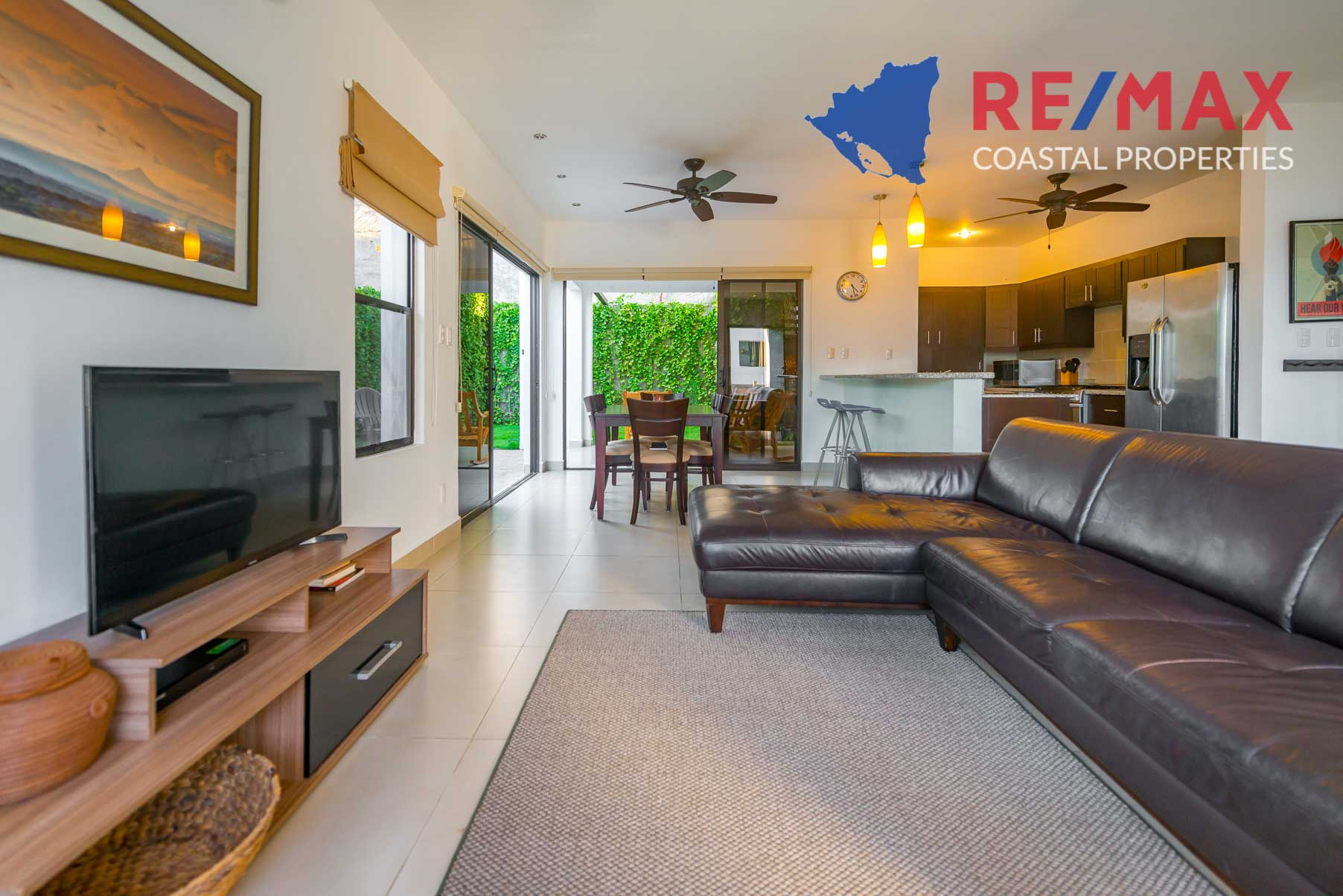 http://property-nicaragua.com/pedrodev/wp-content/uploads/2019/09/Townhomes-Miramar-13-REMAX-Coastal-Properties-2.jpg