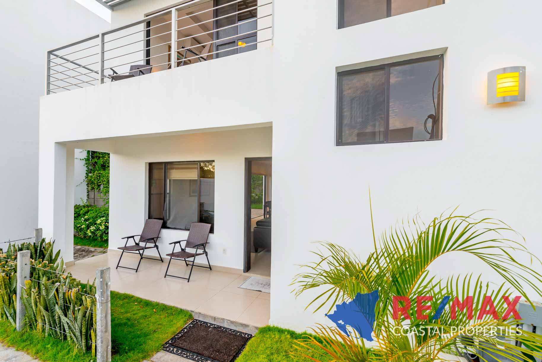 http://property-nicaragua.com/pedrodev/wp-content/uploads/2019/09/Townhomes-Miramar-13-REMAX-Coastal-Properties-24.jpg