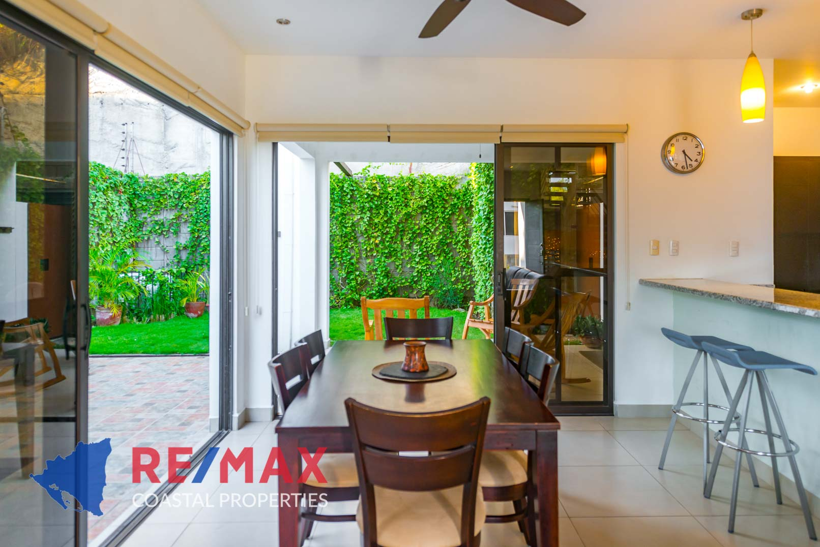 http://property-nicaragua.com/pedrodev/wp-content/uploads/2019/09/Townhomes-Miramar-13-REMAX-Coastal-Properties-5.jpg