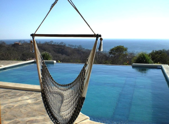 http://property-nicaragua.com/wp/wp-content/uploads/2012/09/Infinity-Pool-to-Maderas.jpg