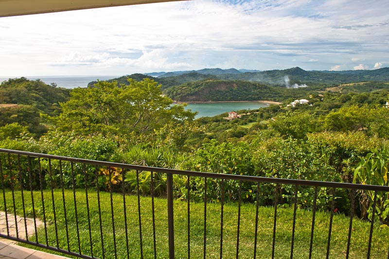 http://property-nicaragua.com/wp/wp-content/uploads/2013/01/PM-Oceanview-House-18.jpg