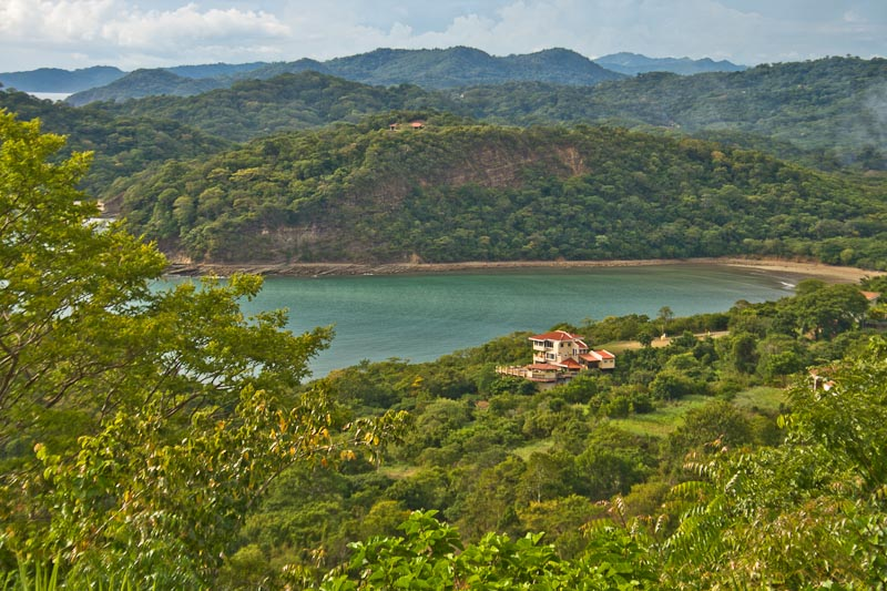 http://property-nicaragua.com/wp/wp-content/uploads/2013/01/PM-Oceanview-House-19.jpg