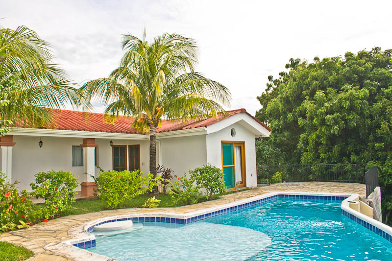 http://property-nicaragua.com/wp/wp-content/uploads/2013/01/PM-Oceanview-House-8.jpg