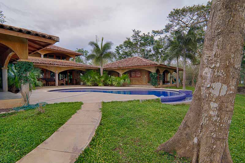 http://property-nicaragua.com/wp/wp-content/uploads/2014/08/Finac-las-Nubes-1307_HDR_1.jpg