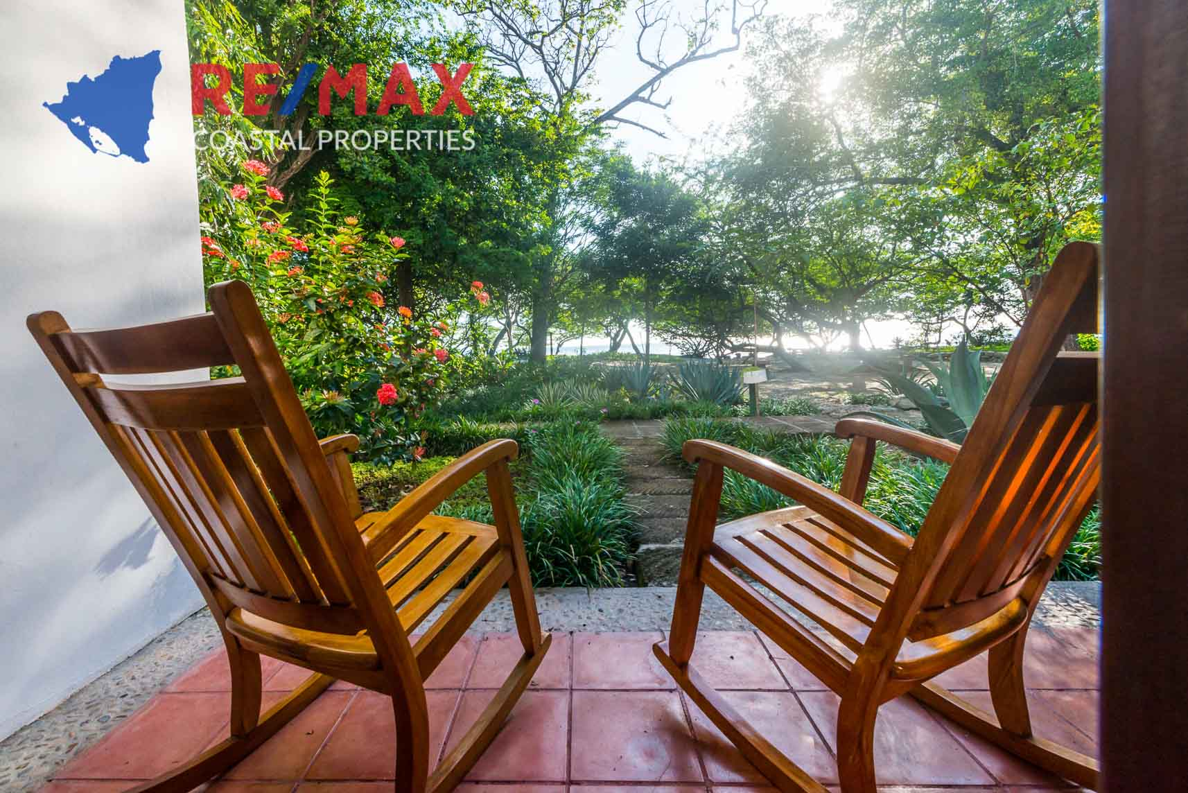 https://property-nicaragua.com/pedrodev/wp-content/uploads/2012/06/Playa-Coco-Townhome-2-REMAX-Coastal-Properties-37.jpg