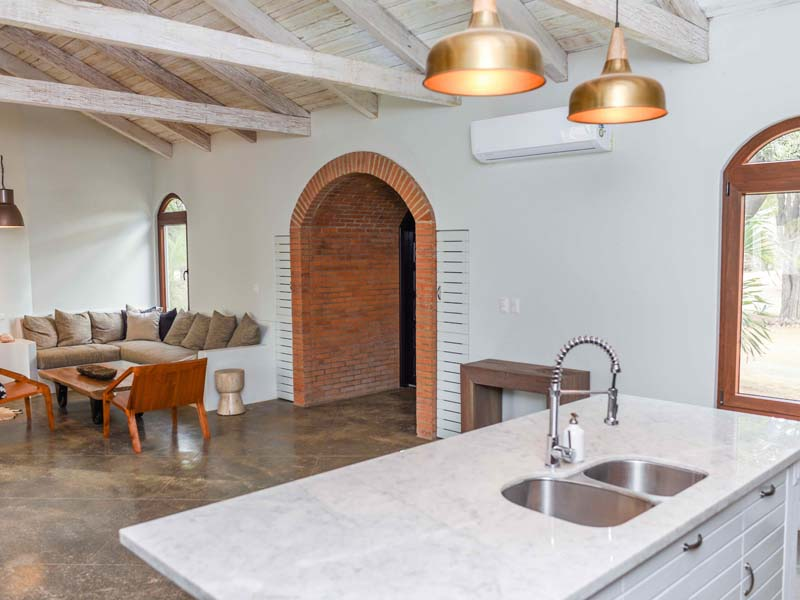 https://property-nicaragua.com/pedrodev/wp-content/uploads/2017/04/arch-from-kitchen.jpg